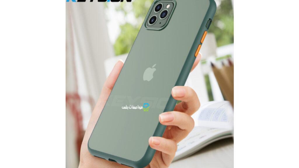 حجم موبايل iPhone 11 Pro Max فى الايدى