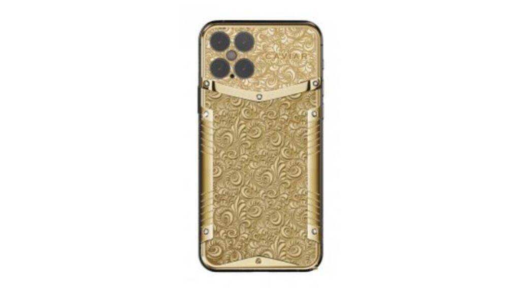 صورة مسربة لهاتف iPhone 12 Pro مغطى بالذهب المنقوش
