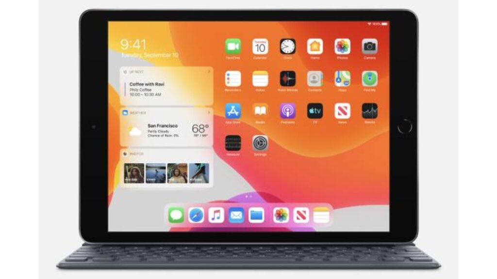 تصميم تاب Apple iPad 10.2 على لوحة المفاتيح