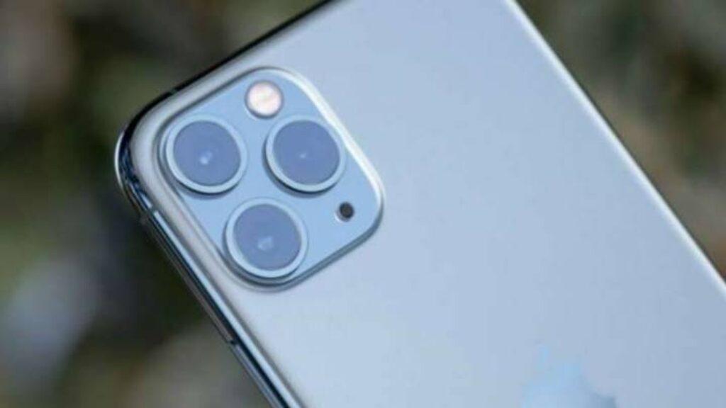 الكاميرا الخلفية لموبايل Apple iPhone 11 Pro