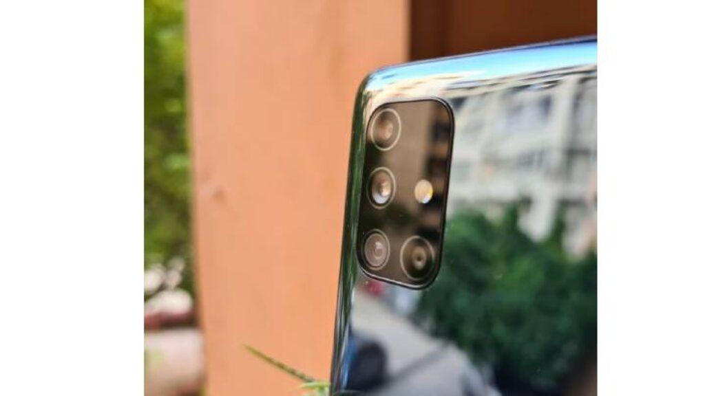 الكاميرا الخلفية لجوال سامسونج جالكسي إم 51