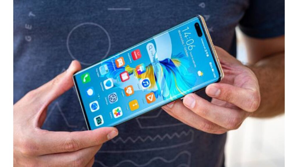 حجم موبايل Huawei Mate 40 Pro فى الايدى